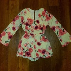 Womens Charlotte Russe long sleeve floral romper